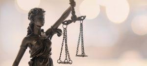 O dvoch prokurátoroch a poštárovi